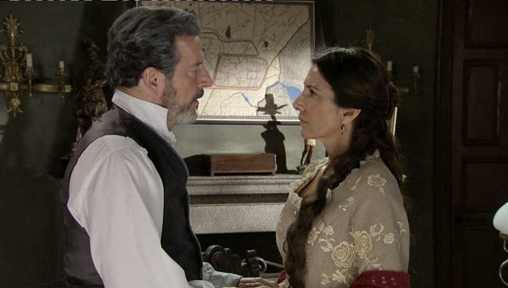 Carmen le cuenta a Germán que no volverá a trabajar en el cortjo