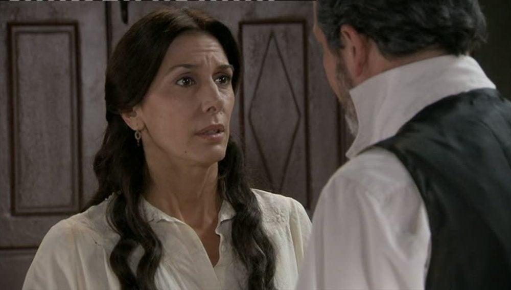Carmen pide ayuda a Germán para que no trasladen a Roberto