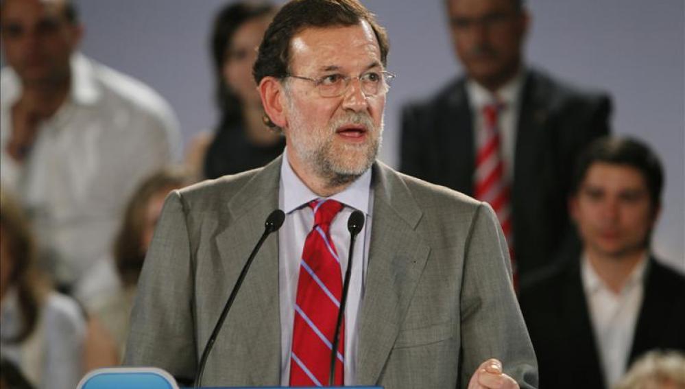 """Rajoy se compromete a crear empleo ante """"el triste peor dato de la historia"""""""