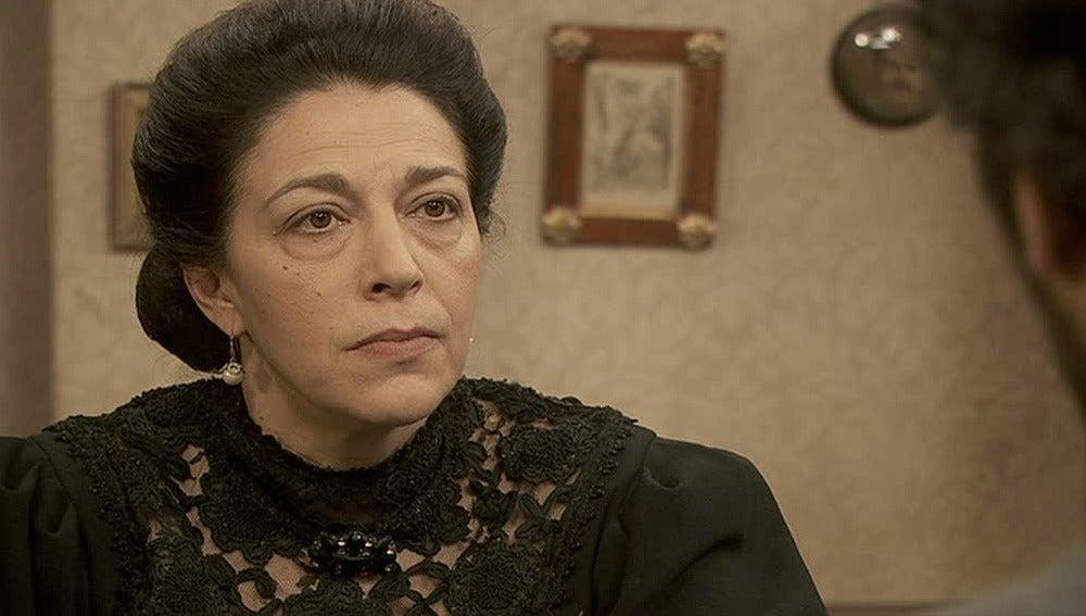 Francisca no quiere que Sebastián ayude a la partera
