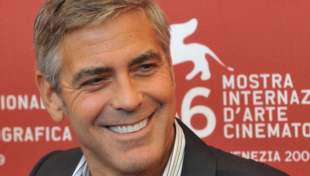 La sonrisa de Clooney es irresistible