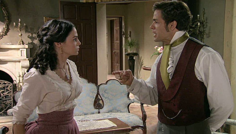 Álvaro discute con Eugenia y le levanta la mano