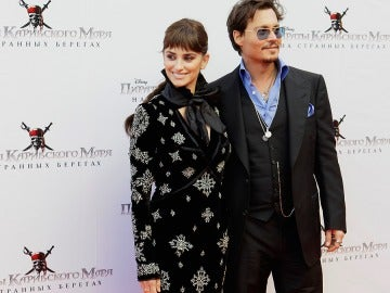 Penélope Cruz y Johnny Depp en Moscú