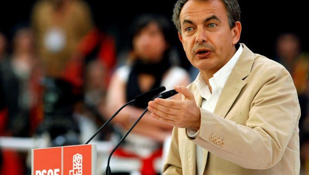 Zapatero, en un mitin en Zaragoza