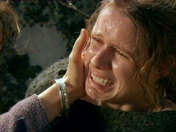 Nerea ayuda a Helena a dar a luz y Alejo decide llevarse a su hijo si Helena decide huir
