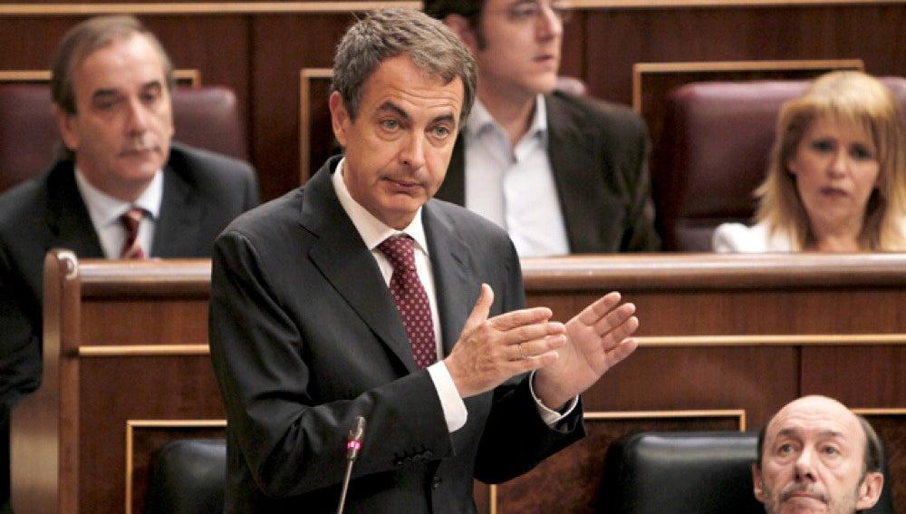 Zapatero mantiene su apuesta por las primarias