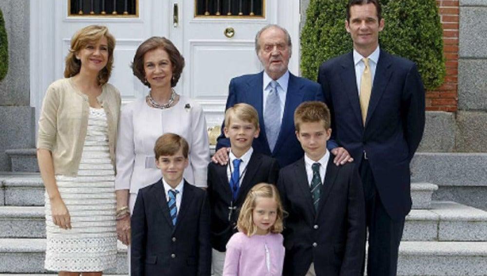 La Familia Real asiste en Zarzuela a la Comunión de Urdangarin