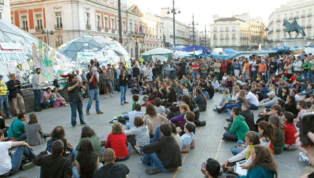 Asamblea en la acampada de la Puerta del Sol