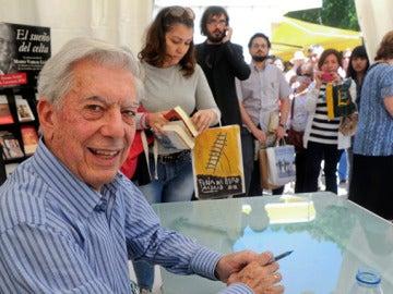 Mario Vargas Llosa en la Feria del Libro