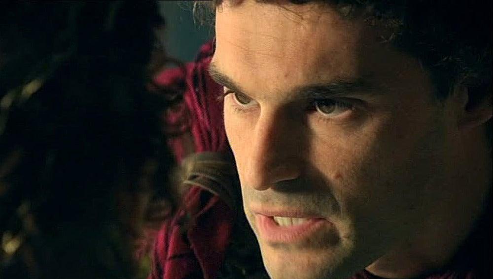 Fabio amenaza a Claudia con contar su verdad a cambio de Sabina
