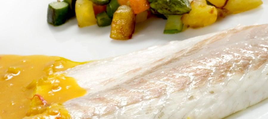 Antena 3 tv lubina a la sal con salsa de azafr n for Salsa para lubina a la sal