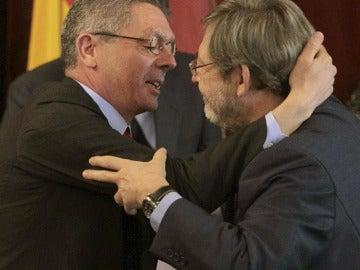 Jaime Lissavetzky felicita a Alberto Ruiz-Gallardón