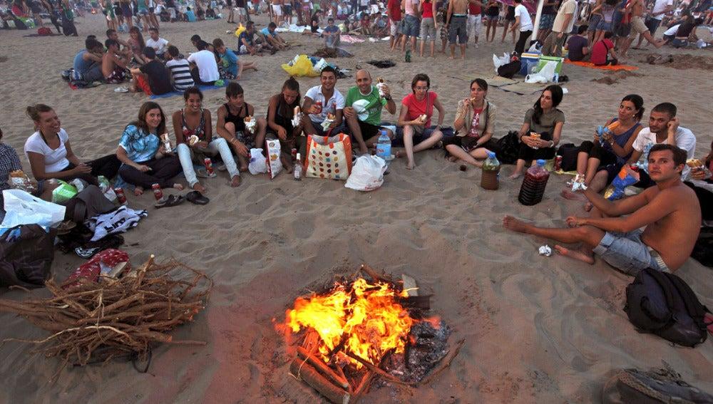 Jóvenes disfrutan en San Juan