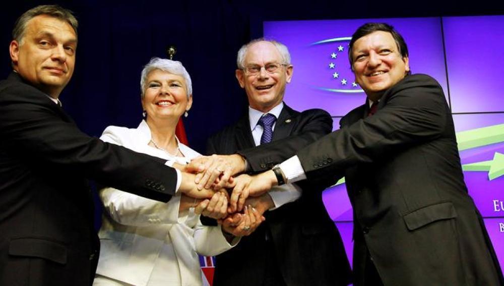 La cumbre de la UE acuerda ayudar a Grecia con condiciones