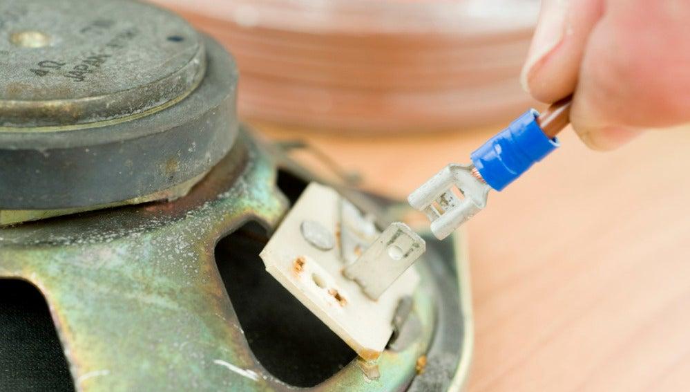 Engarzar terminales de cable