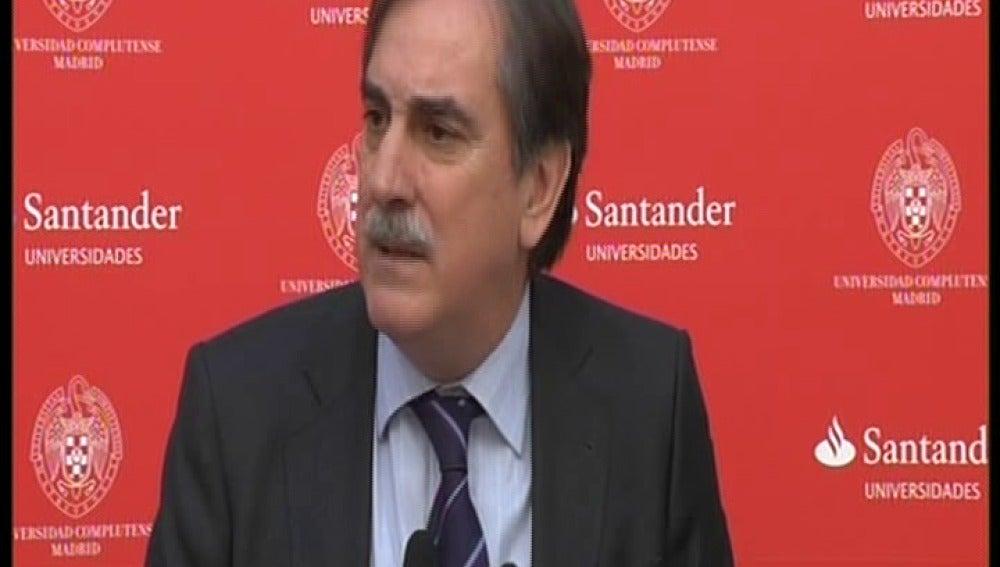 Gómez contradice a Salgado y defiende subir los impuestos a los ejecutivos
