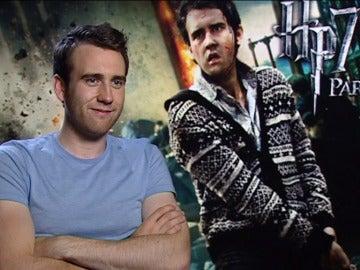 El actor Matthew David Lewis interpreta a Neville