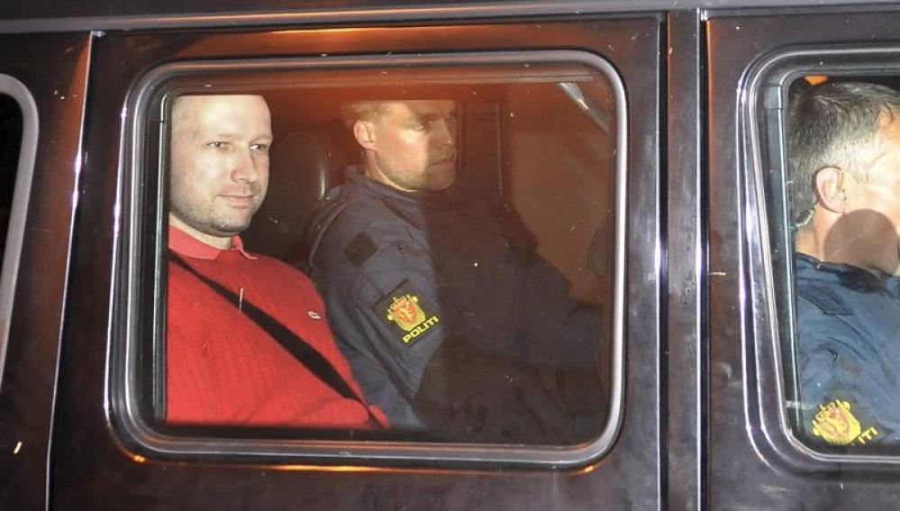 Anders Behring Breivik, a su llegada al juzgado