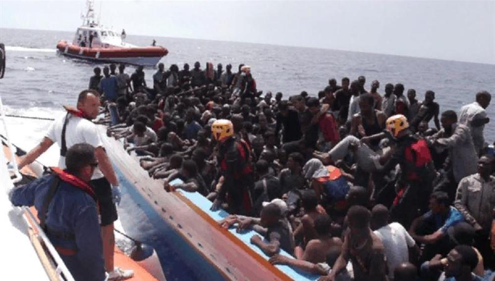 Un centenar de inmigrantes desparecen frente a la costa de Lampedusa