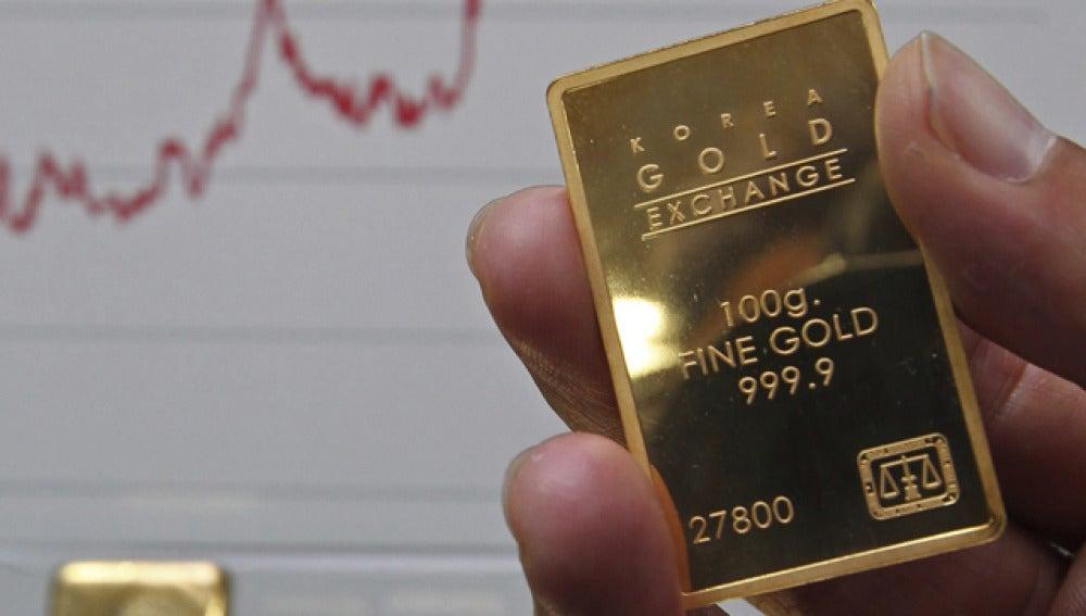 La onza de oro sube un 3,1% y alcanza un precio histórico
