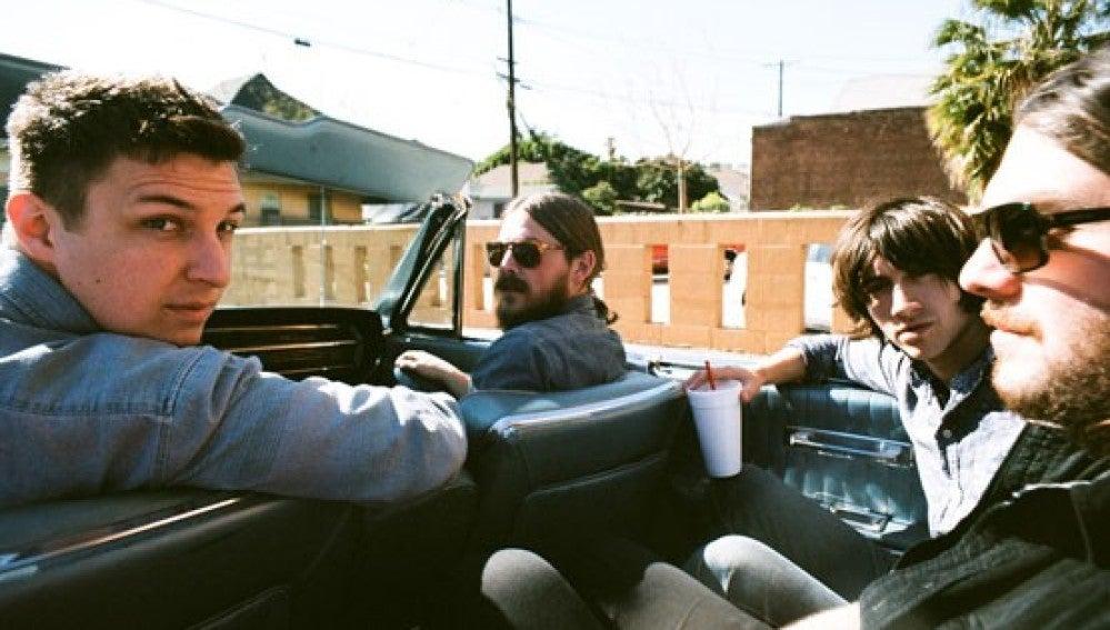 Los disturbios de Londres impiden la venta de lo nuevo de Arctic Monkeys