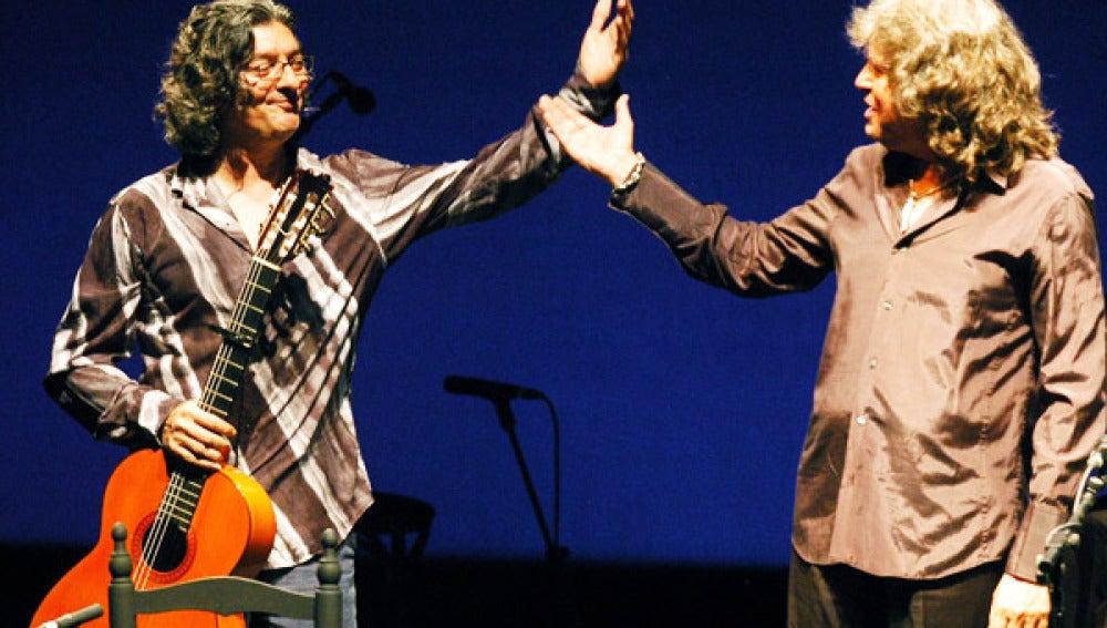 Moraíto Chico junto a José Mercé tras una actuación.