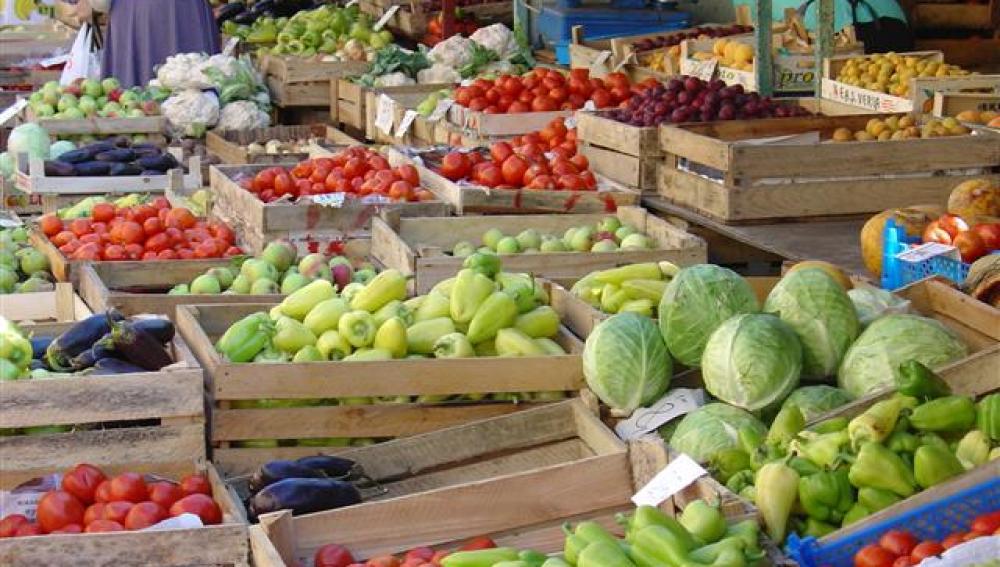 Alimentos frescos en un mercado