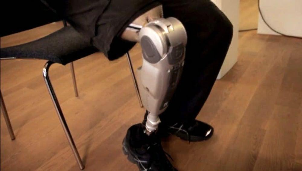 Crean una rodilla inteligente que predice el movimiento