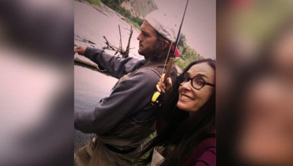 Demi Moore y Ashton Kutcher bajo la lluvia