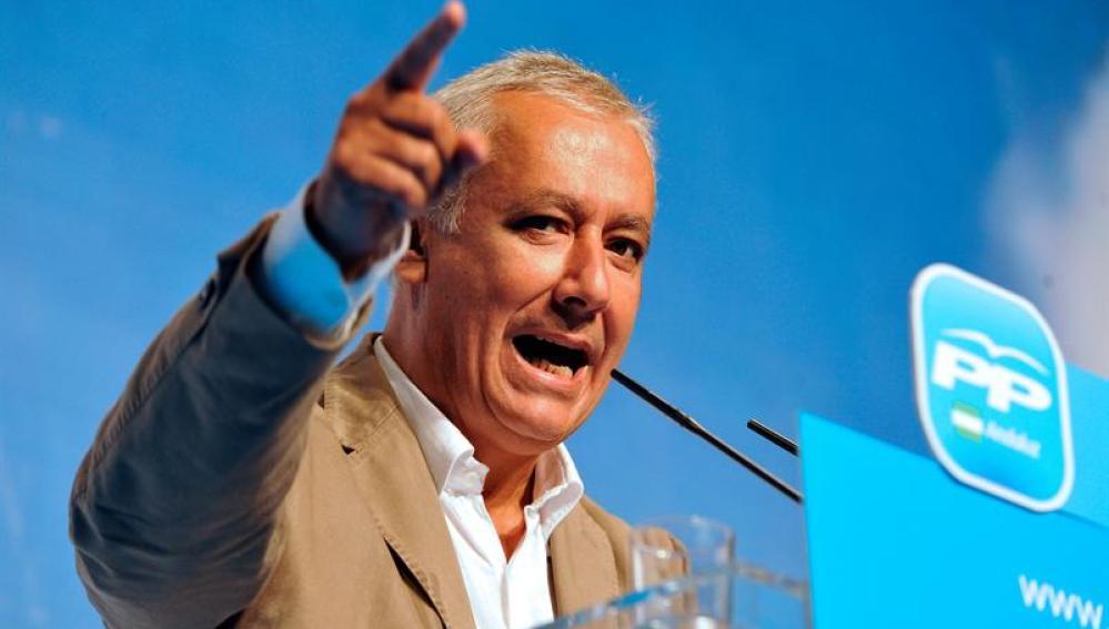 Javier Arenas en el acto que ha presidido en Granada