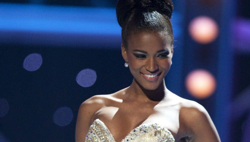 Angola conquista por primera vez la corona de Miss Universo con Leila Lopes