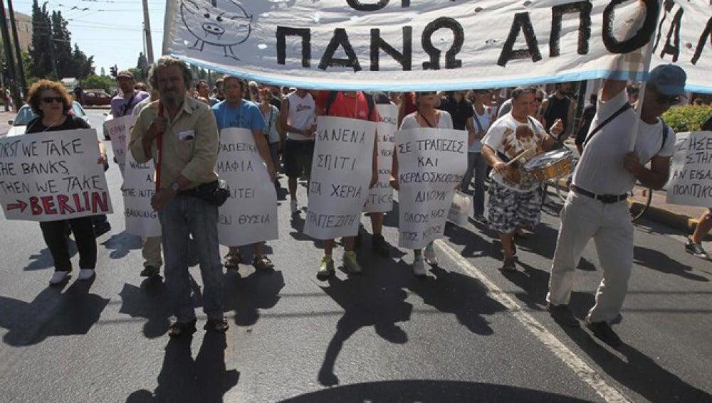 """La """"troika"""" vuelve a Grecia"""