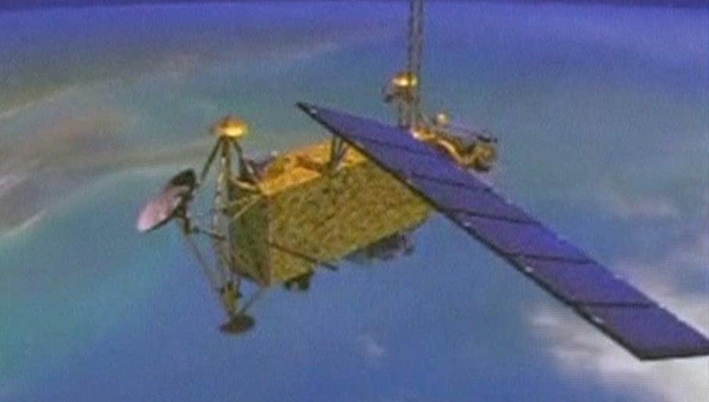 un nuevo satélite se dirige hacia la Tierra