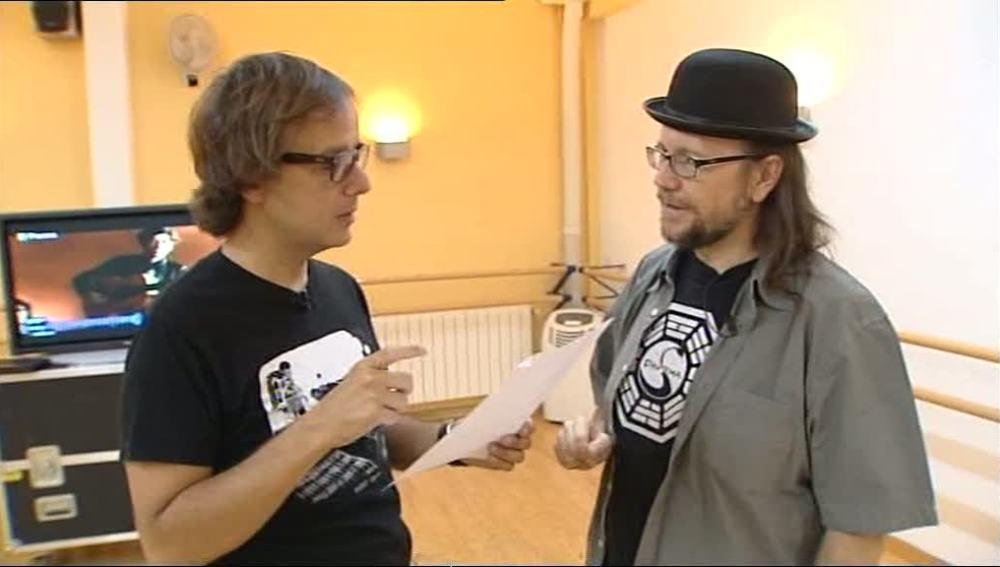 Santiago Segura se prepara la canción de Sabina