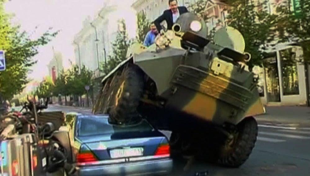Alcalde contra los mal aparcados. (1-10-2011)
