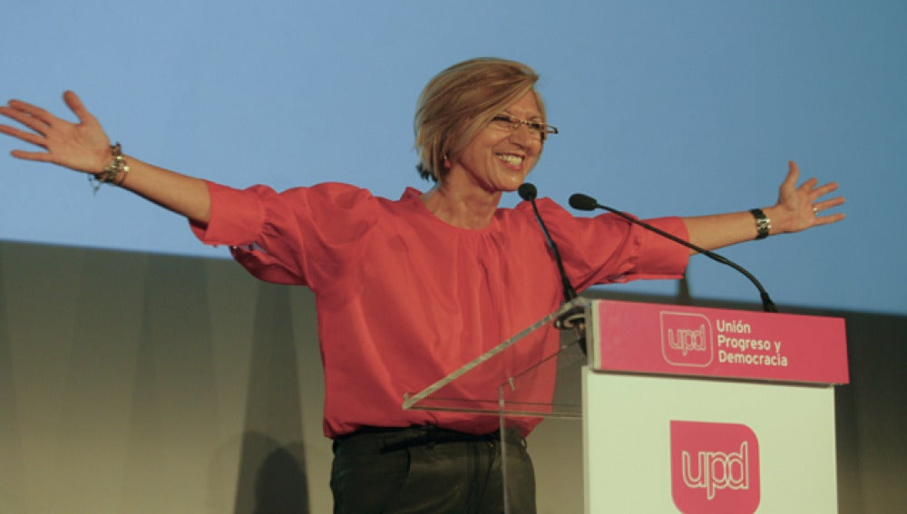 Rosa Díez en la presentación de las listas de UPyD.