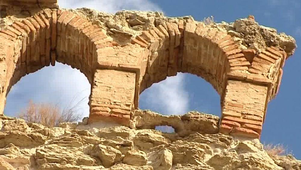 Arcos en derrumbe
