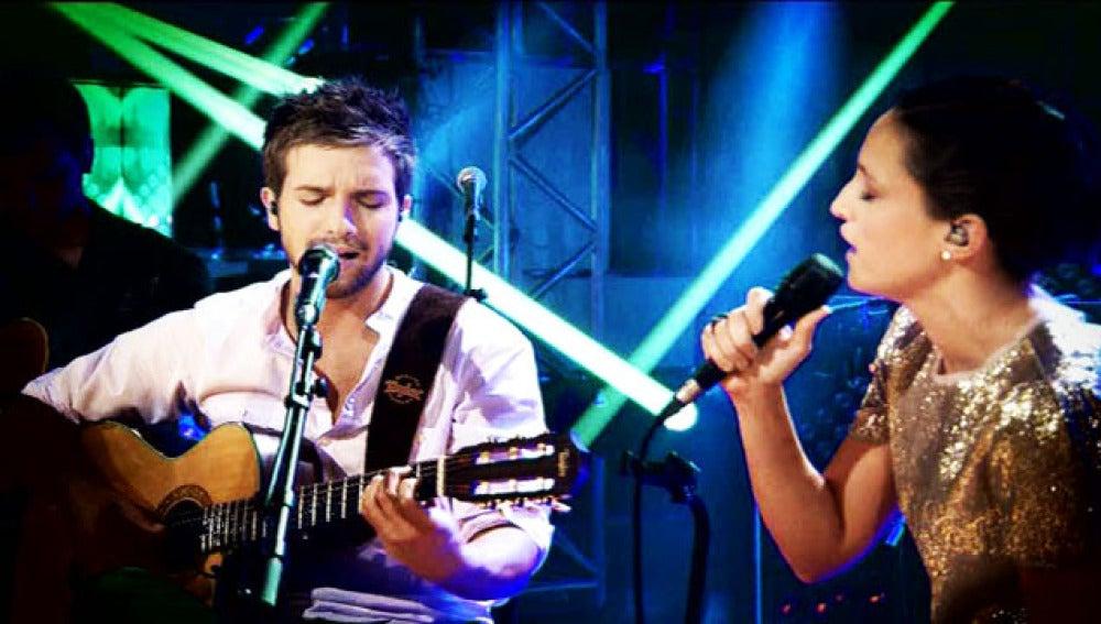 Pablo Alborán junto a la cantante Carminho en su  nuevo trabajo.