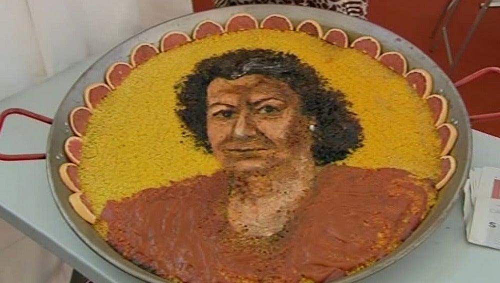 Rita Barberá en una paella