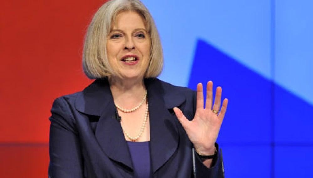 La Ministra del Interior Theresa May