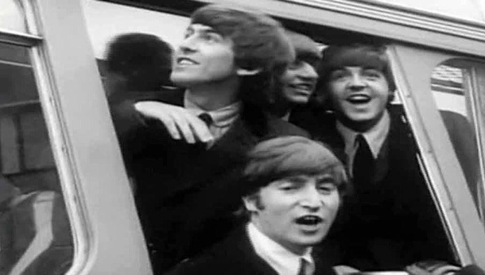 El cuarteto de Liverpool, a su llegada a un concierto