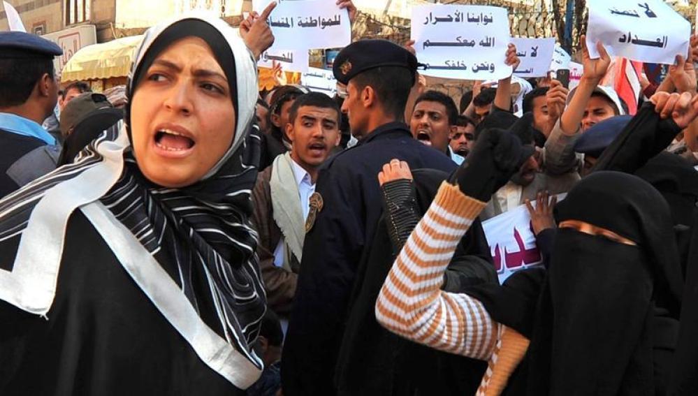La yemení Tawakul Karman tras salir de la cárcel