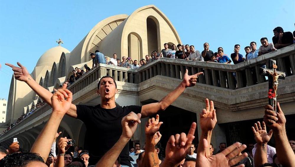 Se reanudan los enfrentamientos en Egipto entre Coptos y Fuerzas de Seguridad