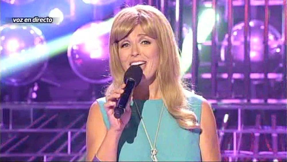 Carolina Ferres es Karina