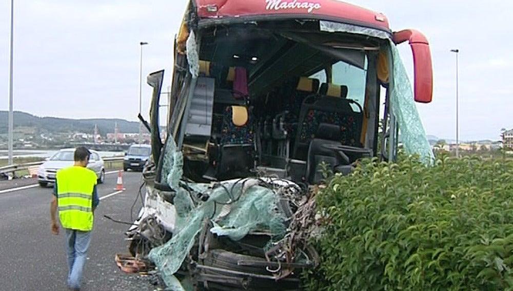Autobús accidentado (13-10-2011)