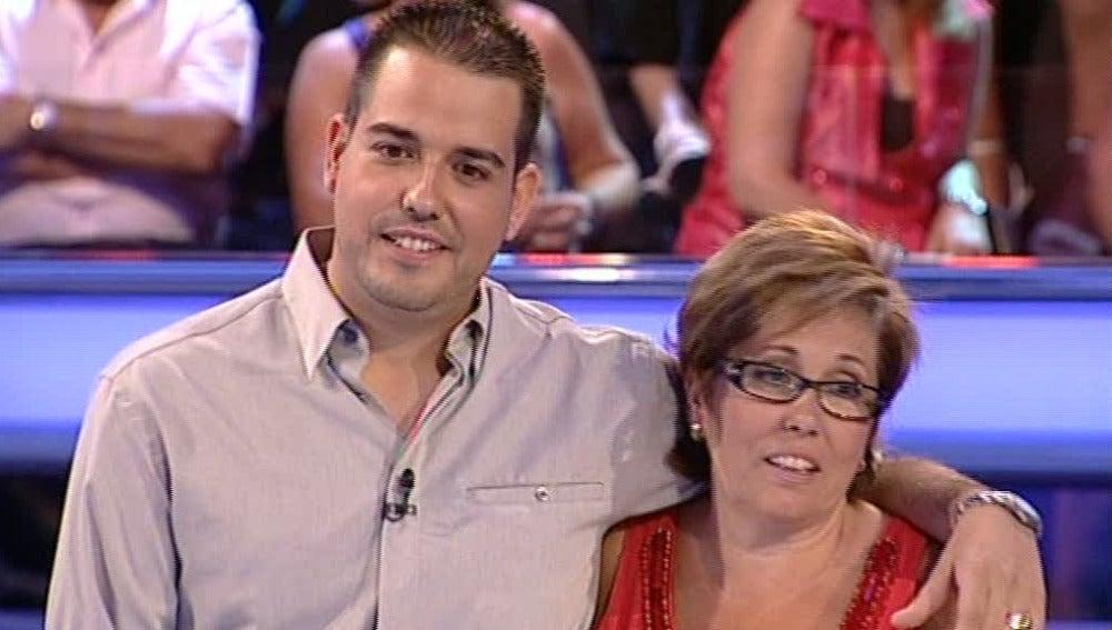 Esther y Pedro en Atrapa un millón