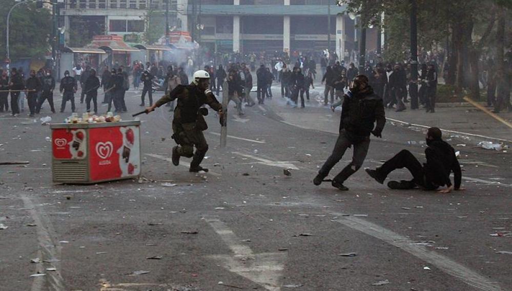 Manifestaciones en Grecia y graves disturbios en Atenas