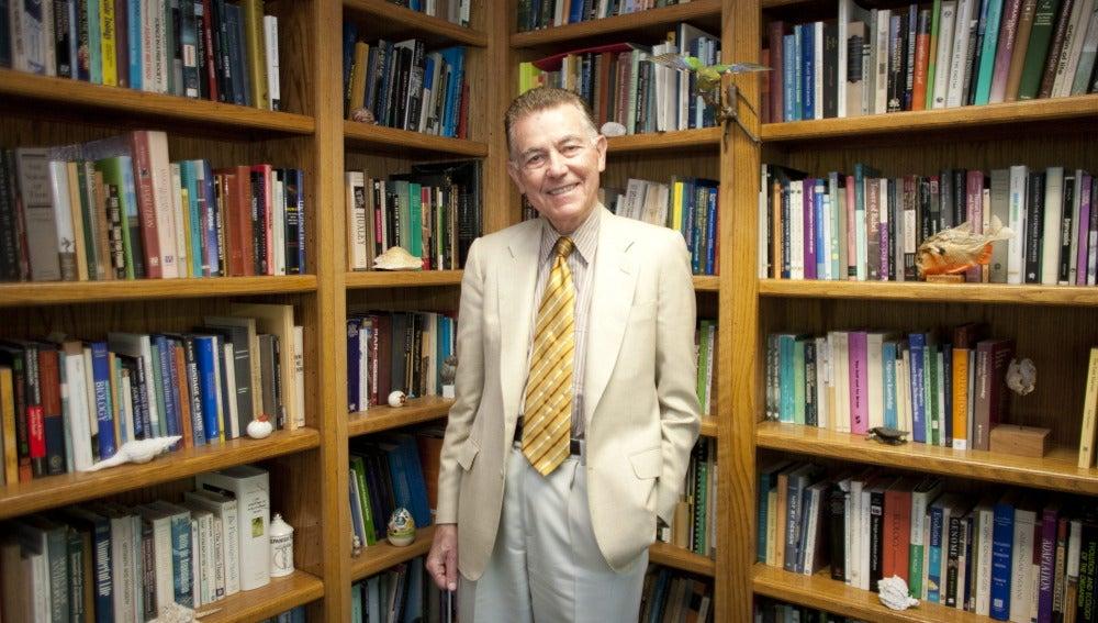 F. Javier Ayala dona diez millones de dólares a la Universidad de California