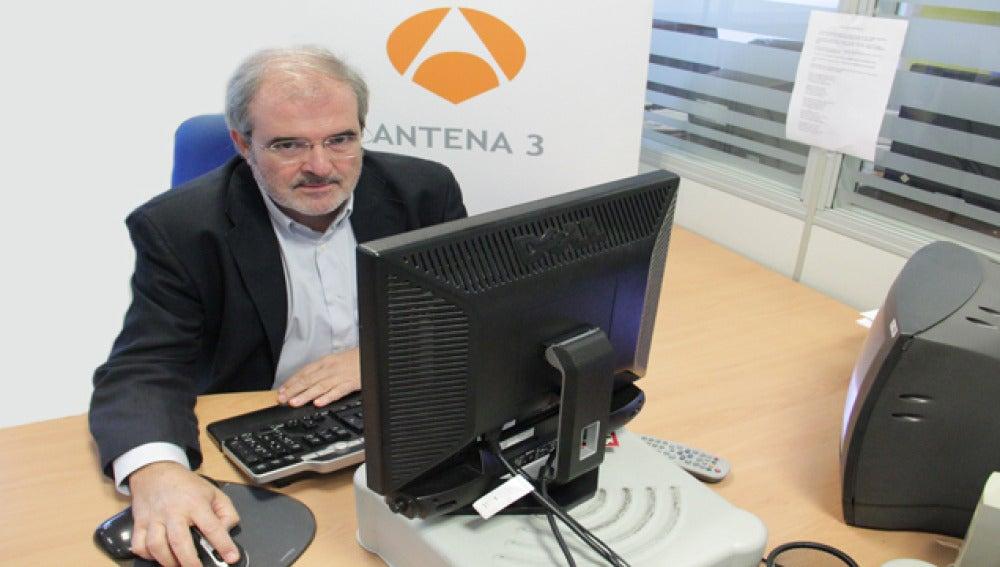 El doctor Miguel Urioste responde a las preguntas de los internautas en un encuentro digital en antena3.com.