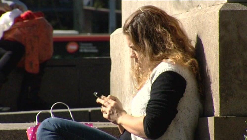 Cada vez hay más personas enganchadas al móvil